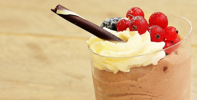 Dessert chocolate cream sweet dish, food drink.