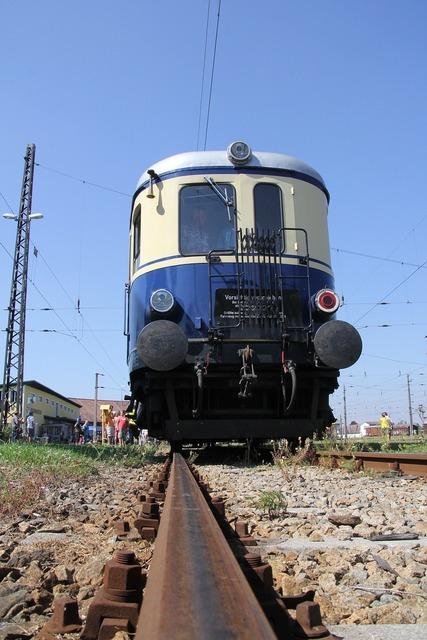 Diesel railcar 5042 railroad museum sigmund herberg.