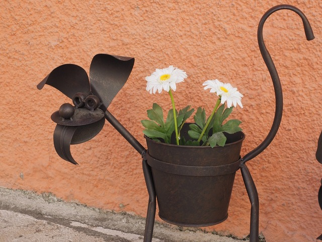 Dog metal dog flower stand, animals.