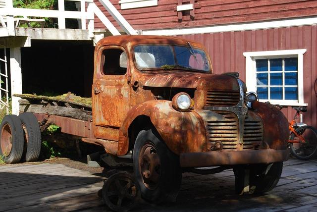 Dogde rusted old, transportation traffic.