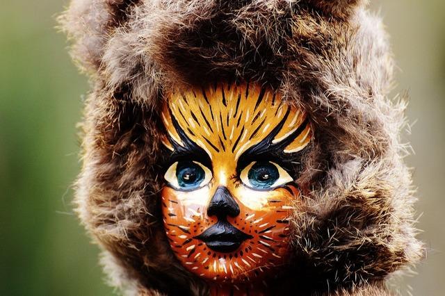 Doll cat painting, animals.