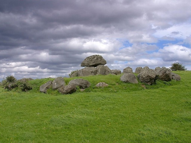 Dolmen place of worship tomb.