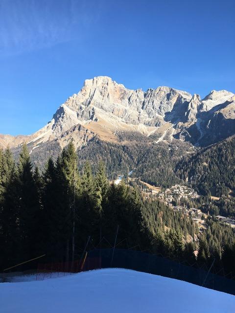 Dolomites alps mountain, nature landscapes.