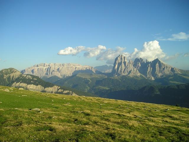 Dolomites sassolungo plattkofel.