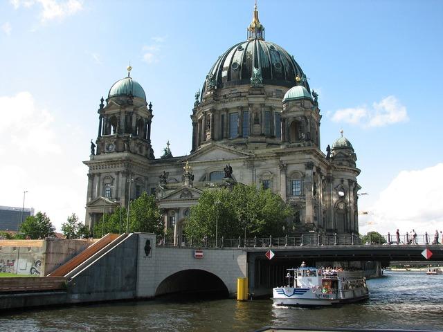Dom berlin building, architecture buildings.
