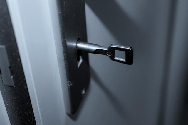 Door key castle.