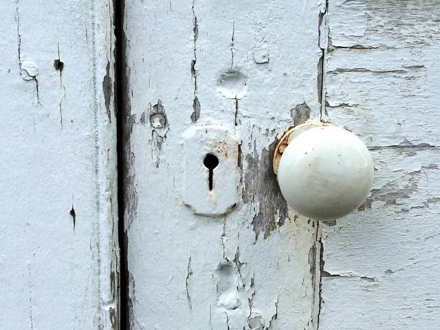 Door knob peeling paint lock.