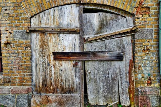 Door ruin barn, architecture buildings.