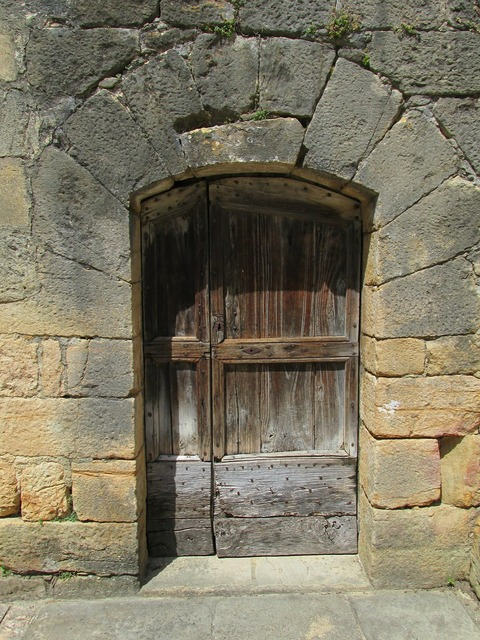 Door sarlat france.