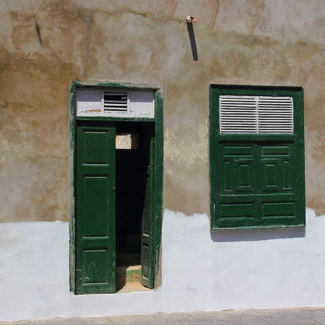 Door window green.