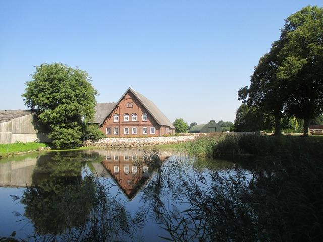 Dorfteich farmhouse idyll.