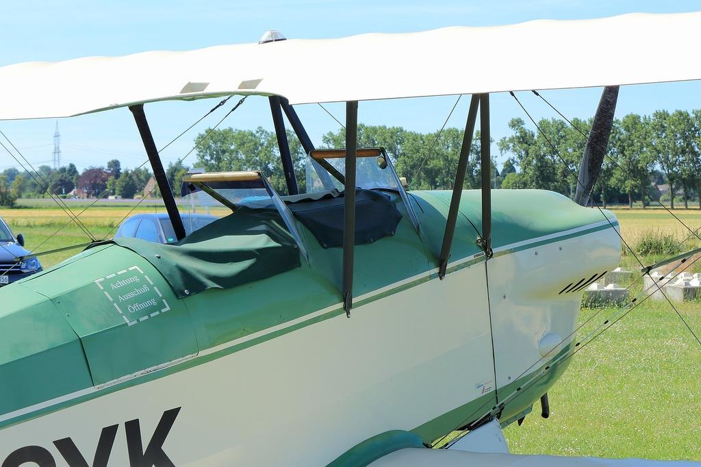 Double decker fly aircraft.