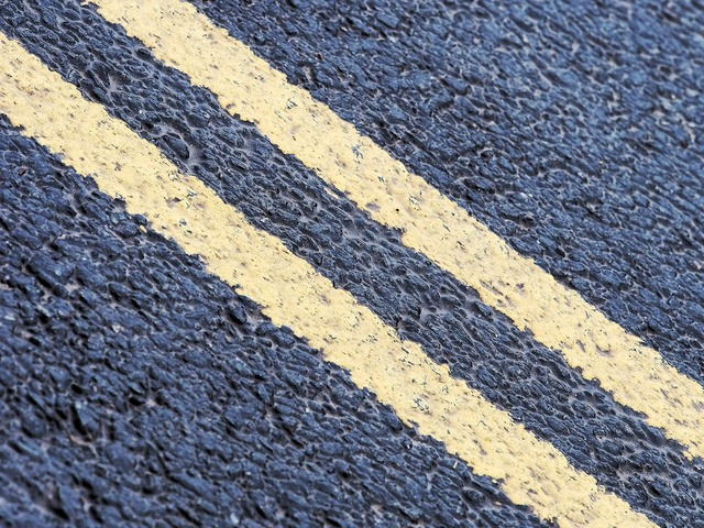 Double yellow line, transportation traffic.