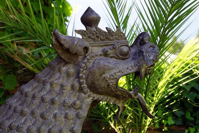 Dragon leo bronze, religion.