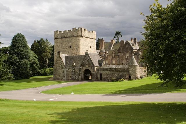 Drum castle castle aberdeenshire.