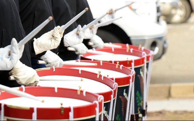 Drummers drums soldiers, music.