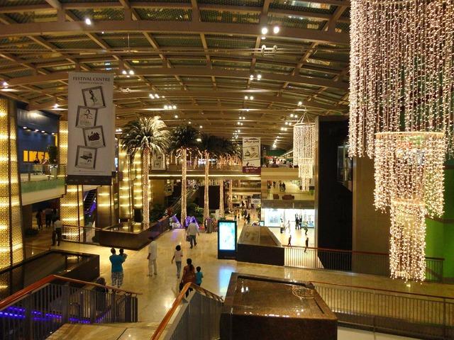 Dubai shops stores, architecture buildings.