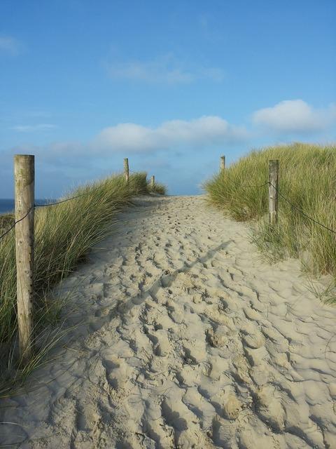 Dünenweg footprints sand, travel vacation.