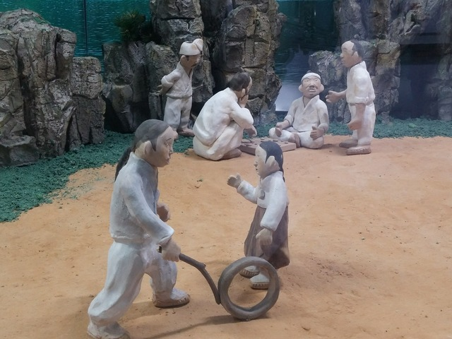 Earthenware figurines joseon dynasty commons.