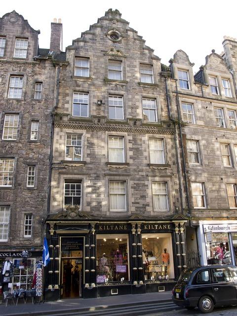 Edinburgh scotland buildings, transportation traffic.