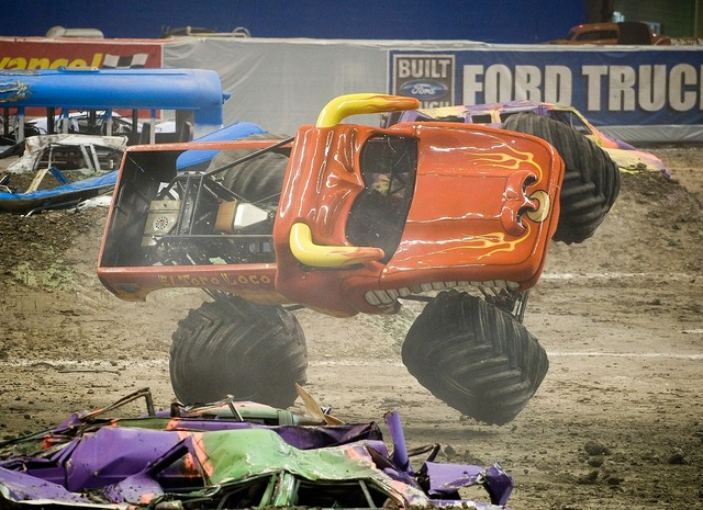 El toro loco monster truck motor vehicle.