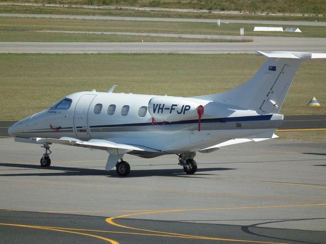Embraer emb-500 executive.