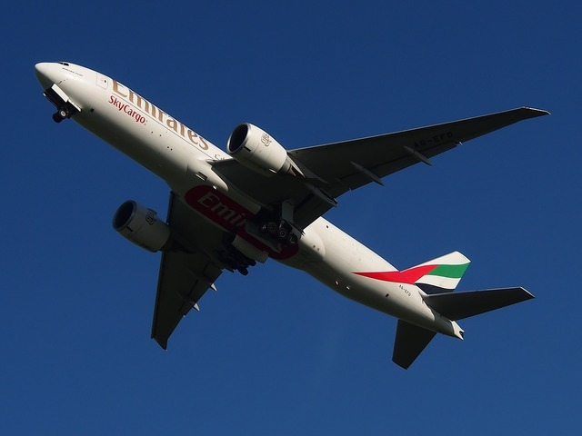 Emirates boeing 777 aircraft, science technology.