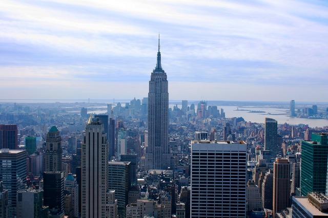 Empire state building new york skyscraper.