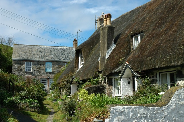 England cornwall thatched roof.