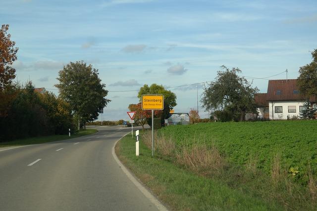 Entrance town sign steinberg, transportation traffic.