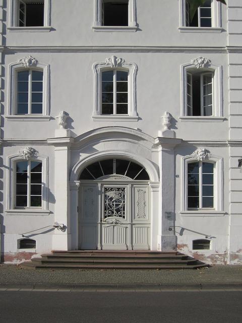 Erbprinzenpalais schlossplatz saarbruecken, architecture buildings.