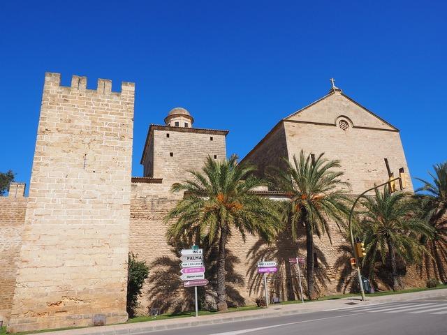 Església de sant jaume church alcúdia, religion.