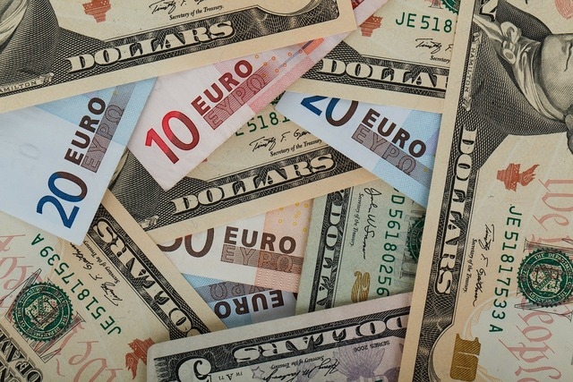 Europe pay usa, business finance.