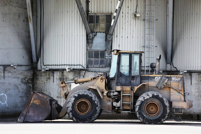 Excavator montreal quebec, industry craft.