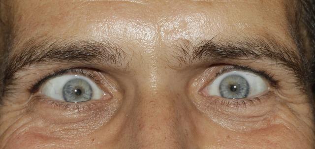Eyes see squint, people.
