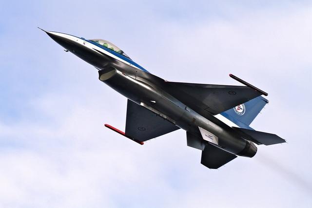 F-16 aircraft airplane.