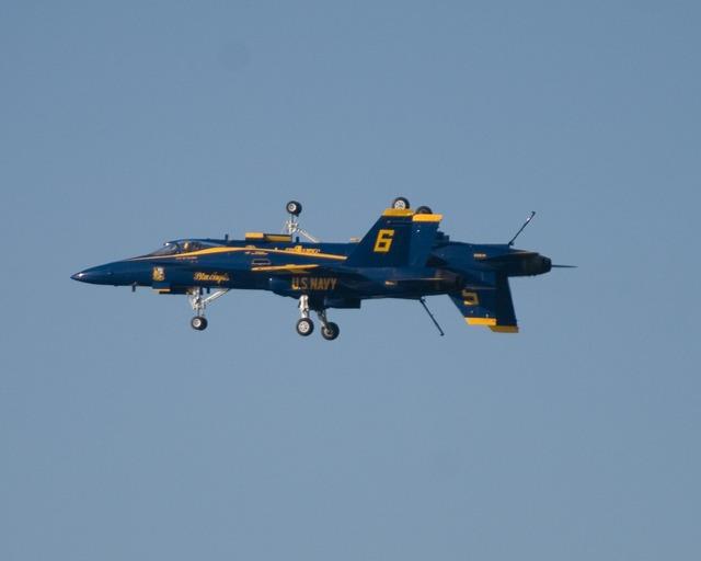 Fa-18 plane fighter.