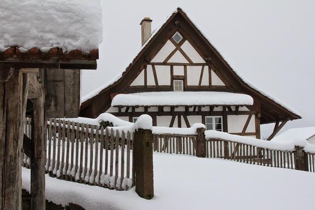 Fachwerkhaus snow snowy.
