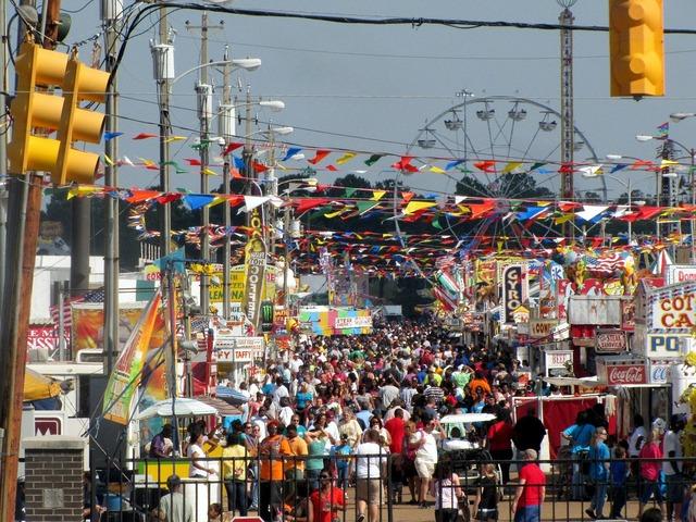 Fairground fair state, people.