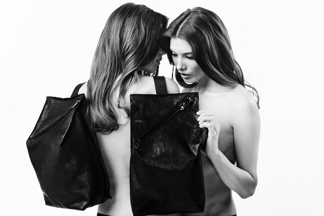 Fashion female fashion handbag, beauty fashion.
