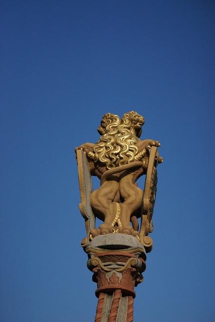 Figure lion lion fountain.