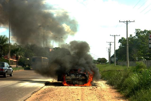 Fire automobile burned, transportation traffic.