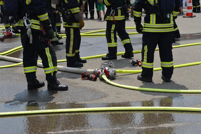 Fire feuerloeschuebung firefighters, people.