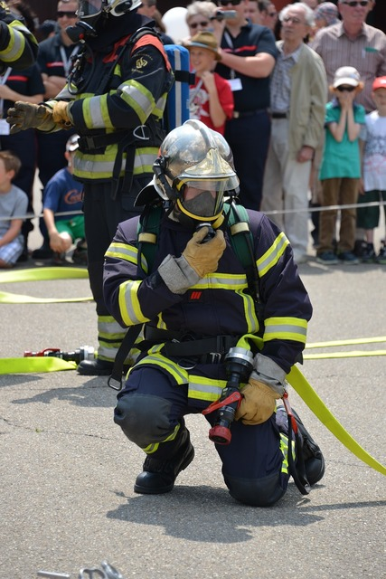 Fire fighter fire respiratory protection, people.