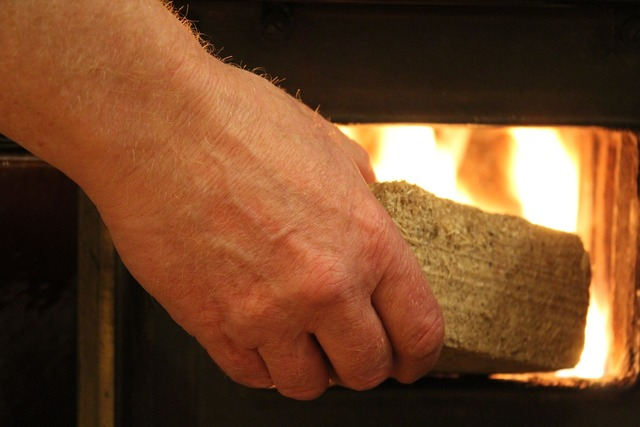 Fire hand oven.