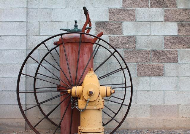 Fire hydrant fire retro.