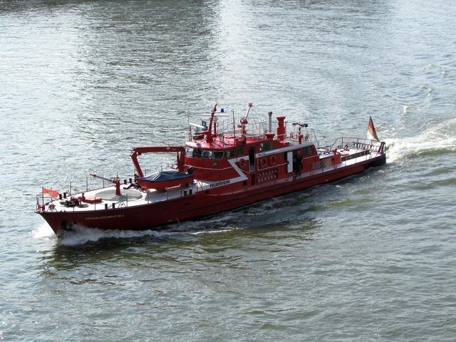 Fire ship fire ship.