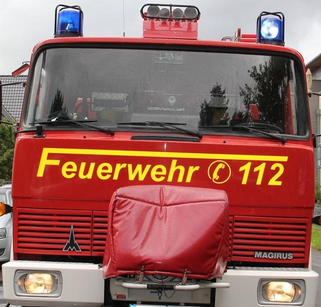Fire truck blue light 112.