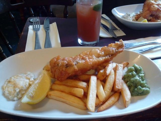 Fish potatos lemon, food drink.