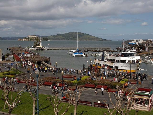Fishermans wharf alcatraz boats, architecture buildings.